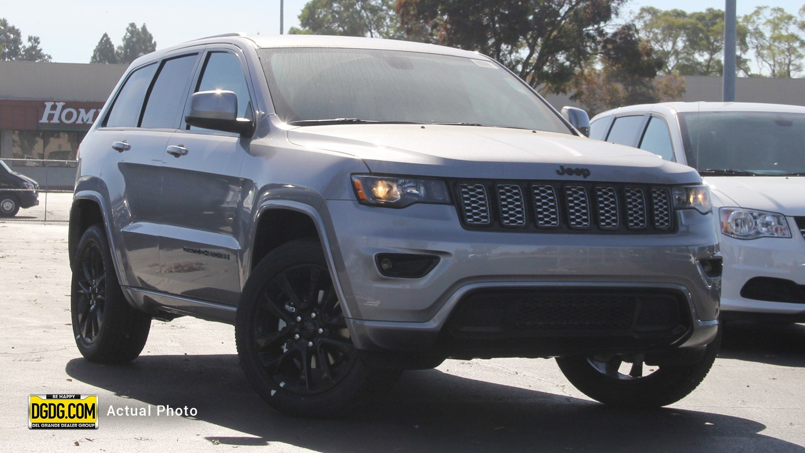 Jeep Cherokee Altitude >> New 2018 Jeep Grand Cherokee Altitude 4x4