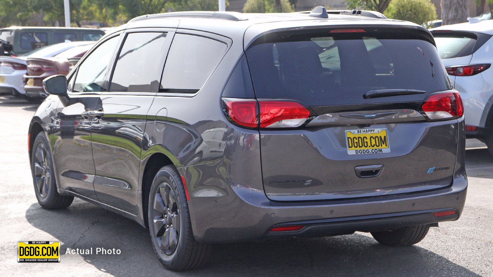 New 2020 CHRYSLER Pacifica Hybrid Hybrid Limited