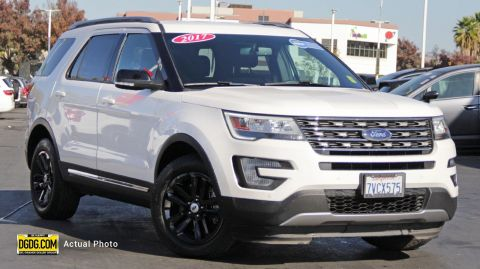 2017 FORD EXPLORER XLT WITH NAVIGATION